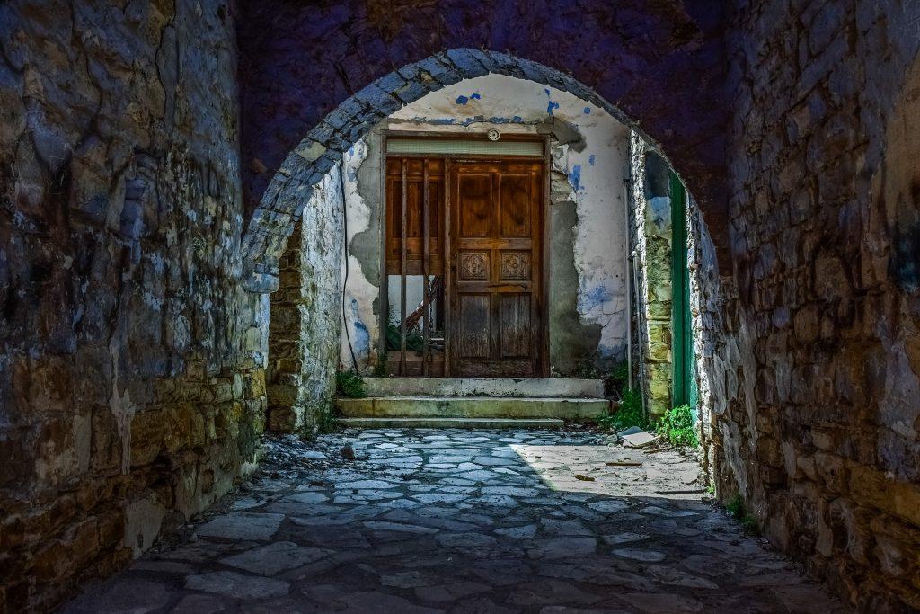 Почему нужна страховка при поездке на Кипр?