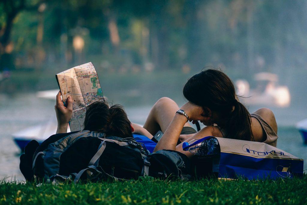 Годовой полис при поездке за границу — стоит ли оформлять